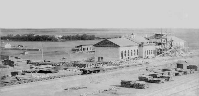 Строительство каменного железнодорожного вокзала в Джанкое